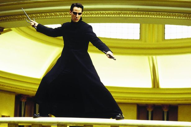 Keanu-Reeves-The-Matrix-Reloaded (1)