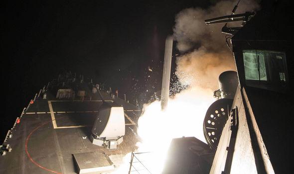 syria-missile-strikes-US-warship-892266
